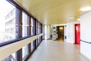 Klinikum_Ingolstadt_009_gang_stationen_61-68