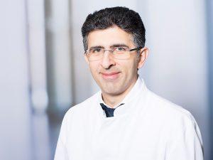 Prof. Dr. Siamak Asgari, Direktor der Klinik für Neurochirurgie im Klinikum Ingolstadt