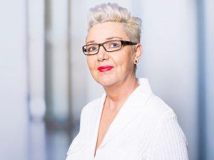 Gabriele Droste, Chefarztsekretärin des Zentrums für Radiologie und Neuroradiologie im Klinikum Ingolstadt