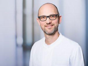 Dr. Lucas Geyer, Oberarzt im Zentrum für Radiologie und Neuroradiologie im Klinikum Ingolstadt