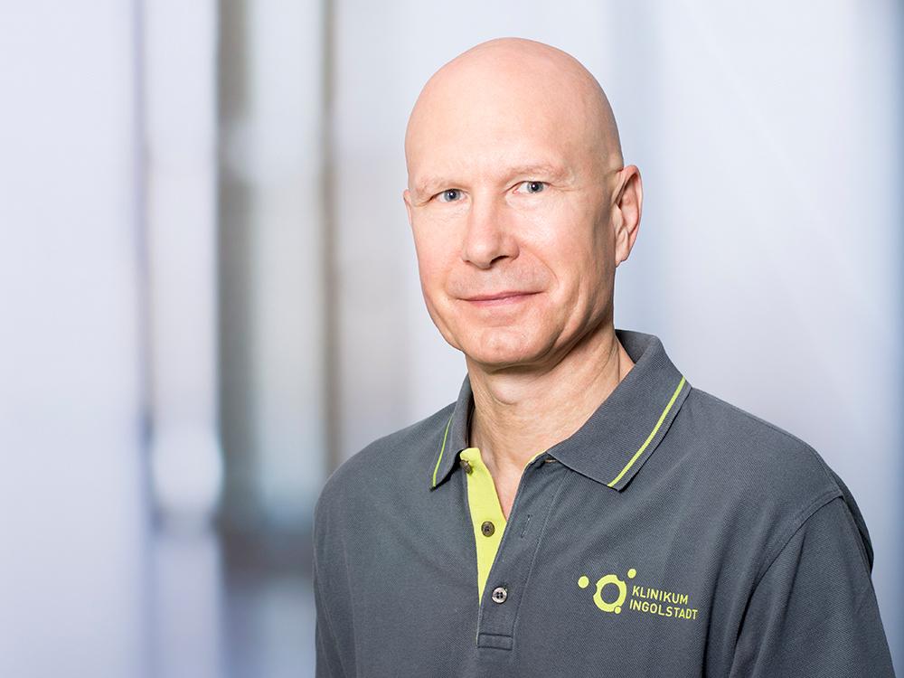 Dr. med. Jürgen Januschewitz, Leiter des ambulanten OP-Zentrums am Klinikum Ingolstadt