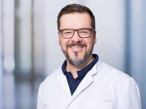 Dr. Robert Morrison, Leiter der Sektion Konservative und Operative Wirbelsäulentherapie im Klinikum Ingolstadt