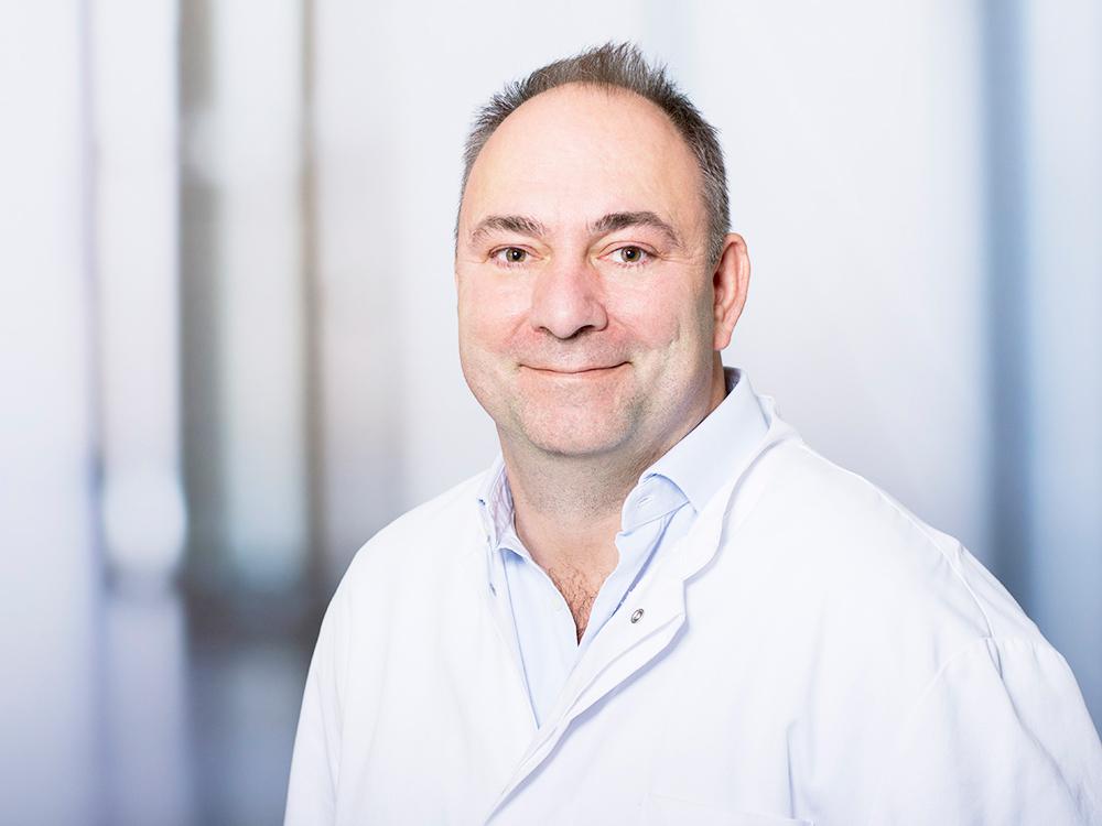 Dr. med. Markus Peyerl, Sektionsleiter Orthopädische Chirurgie und Endoprothetik am Klinikum Ingolstadt