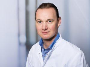 Dr. Götz Schäfer, Oberarzt der Sektion Konservative und Operative Wirbelsäulentherapie im Klinikum Ingolstadt