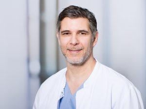 Marco Wintter, Funktionsoberarzt im Zentrum für Orthopädie und Unfallchirurgie im Klinikum Ingolstadt