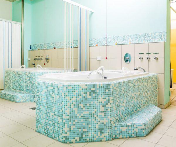 Badebereich für medizinische Ölbäder,Co2- Bäder und Wellnessanwendungen wie Kleopatrabad