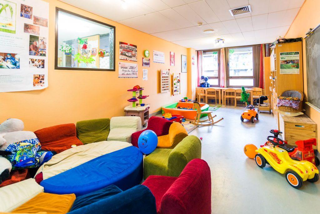 Spielzimmer auf der Kinderstation in Klinikum Ingolstadt