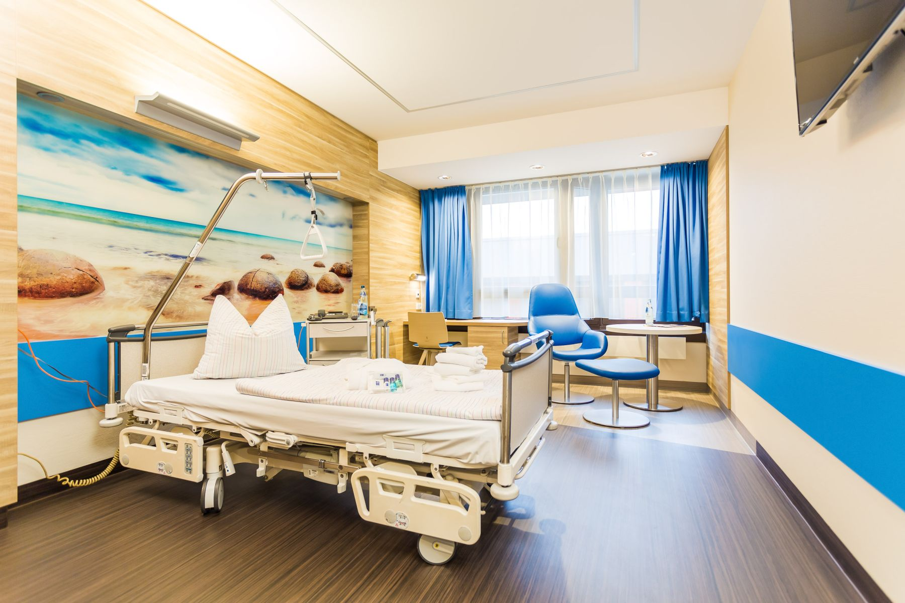 Die Patientenzimmer auf der Komfortstation des Klinikums Ingolstadt sind hell und freundlich.