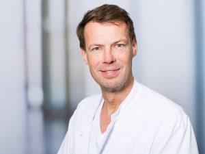 Dr. Klaus Guba, Oberarzt im Zentrum für Orthopädie und Unfallchirurgie im Klinikum Ingolstadt