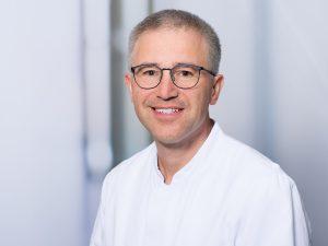 Dr. Leonard Fuhry, Leitender Oberarzt und stellvertretender Direktor der Klinik für Neurologie im Klinikum Ingolstadt