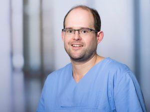 Dr. Tim Bruckmoser, Oberarzt am Institut für Anästhesie und Intensivmedizin am Klinikum Ingolstadt