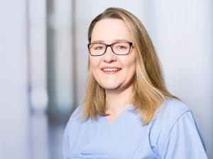 Anna Lochner, Oberärztin am Institut für Anästhesie und Intensivmedizin am Klinikum Ingolstadt