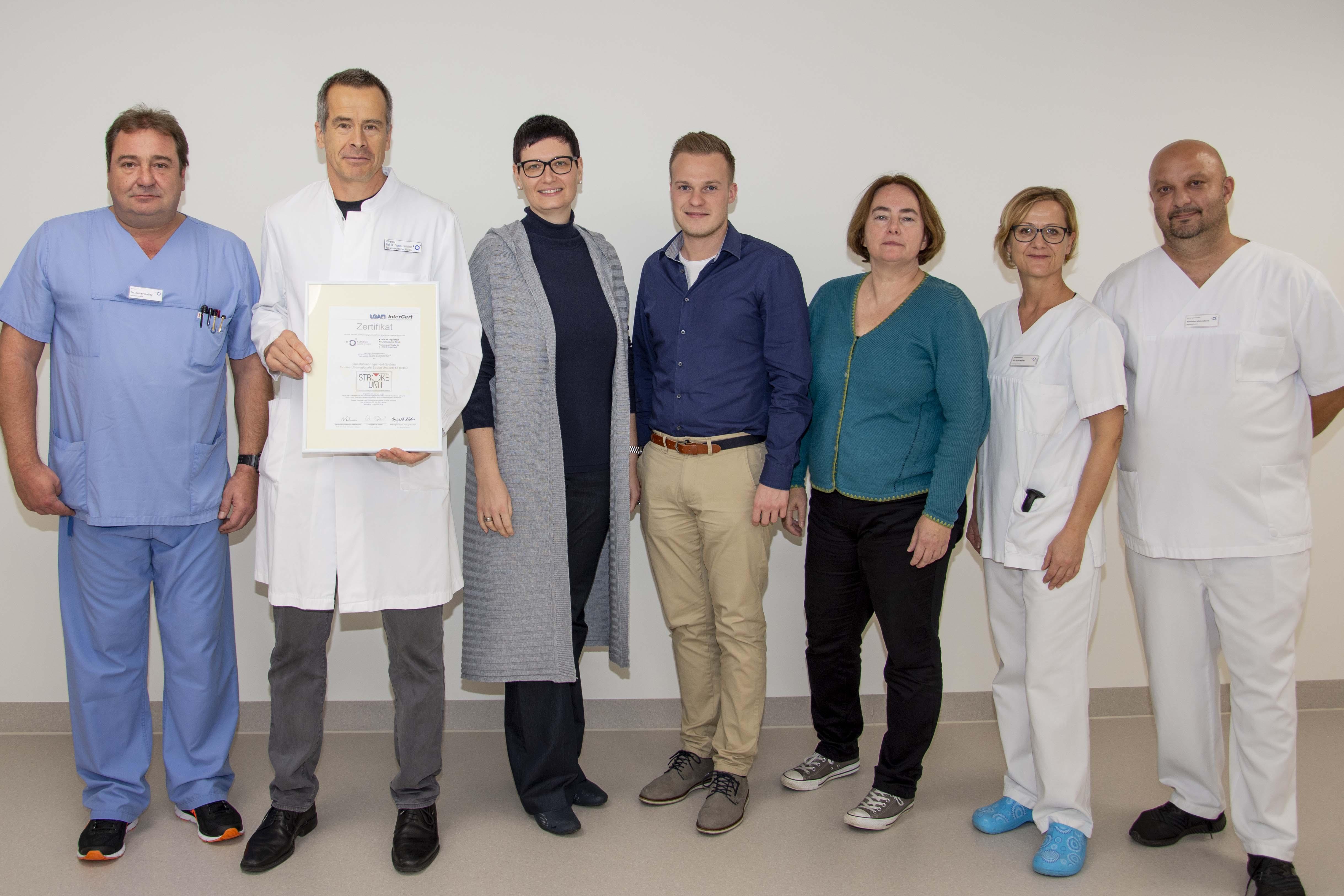 Das Team der Klinik für Neurologie und der Zentralsterilisation im Klinikum Ingolstadt