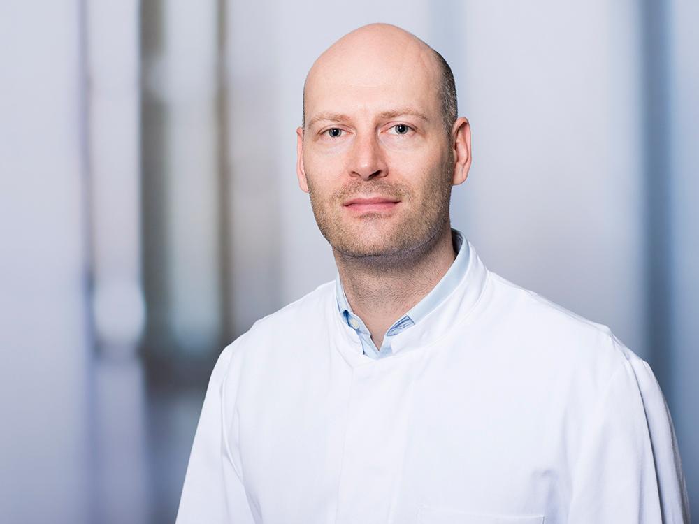 Dr. Martin Nichtitz, Oberarzt der Klinik für Neurochirurgie im Klinikum Ingolstadt