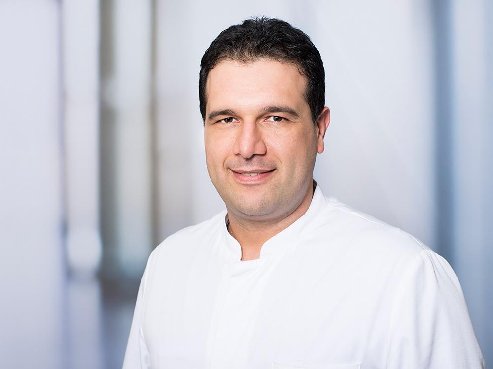 Sam Zaboli, Oberarzt der Klinik für Neurochirurgie im Klinikum Ingolstadt