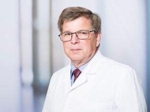 Prof. Dr. Johannes Aufenanger, Direktor des Instituts für Laboratoriumsmedizin im Klinikum Ingolstadt