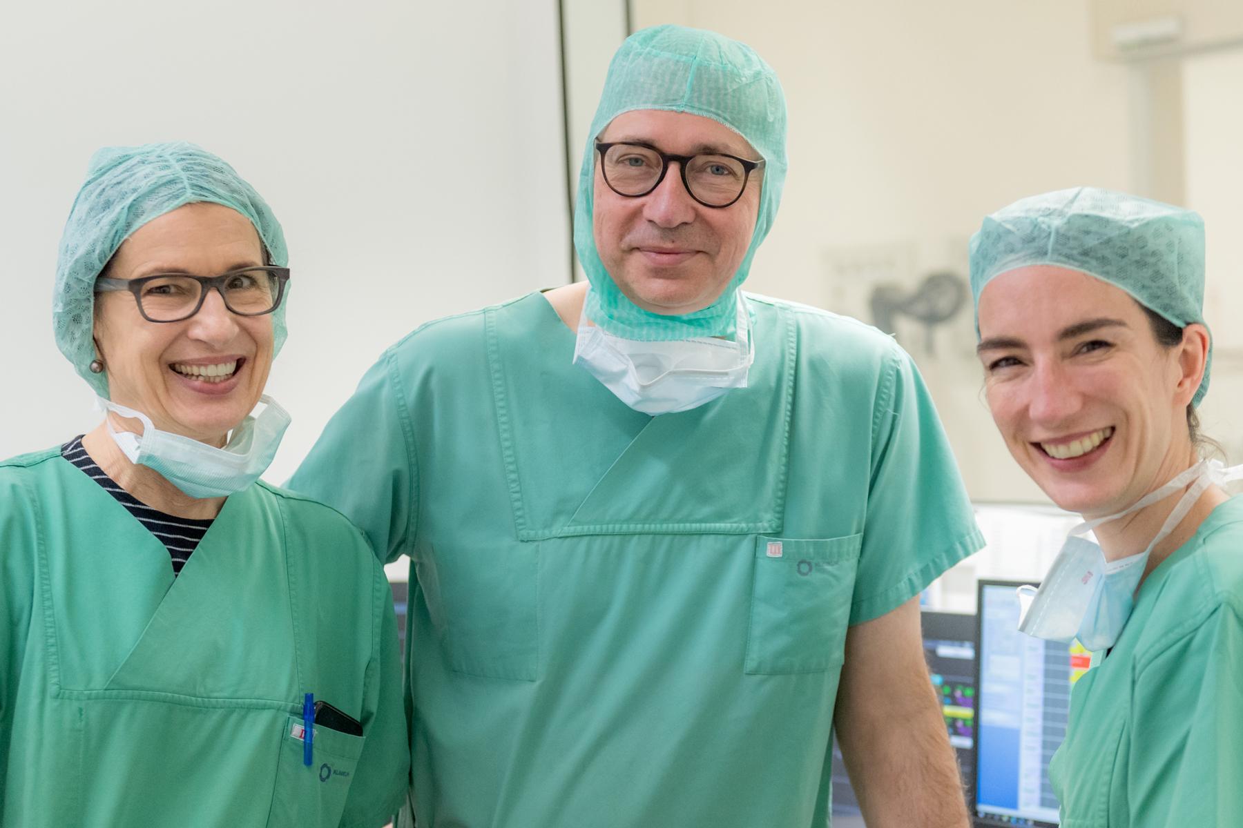 Ein Ärzteteam des Klinikums Ingolstadt im OP