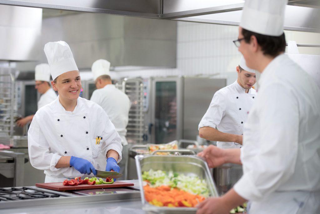 Ausbildung in der Küche des Klinikums Ingolstadt