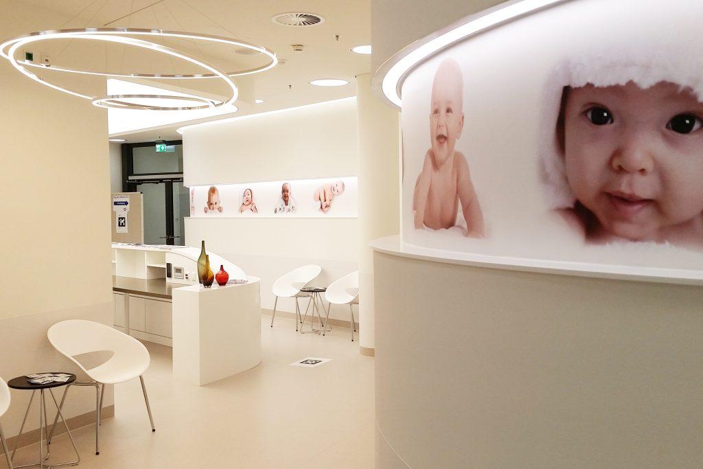 Der Flur der Entbindungsstation im Klinikum Ingolstadt