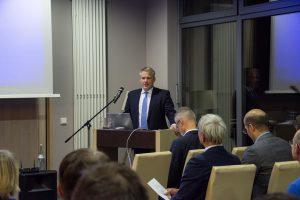 Oberbürgermeister, r. Christian Lösel, hat für das 1. Ingolstädter Kardiologieforum die Schirmherrschaft übernommen.