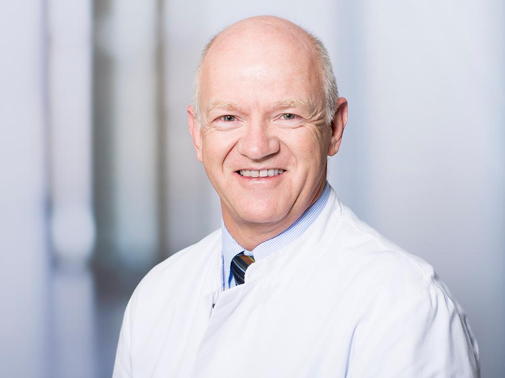 Prof. Dr. Josef Menzel, Direktor der Medizinischen Klinik II im Klinikum Ingolstadt