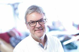 Dr. Friedrich Lazarus, Spezialist für Nierenkrankheiten, ist Direktor der Medizinischen Klinik III im Klinikum Ingolstadt und Leiter des KfH-Nierenzentrums Ingolstadt.