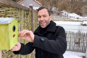 Rainer Vielwerth in seinem Garten